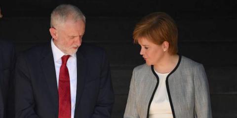 Jeremy Corbyn y Nicola Sturgeon.