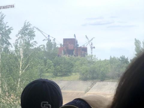 Foto desde el autobús turístico en la zona de exclusión.