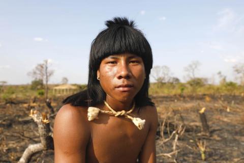 Un hombre de la tribu Xavante.