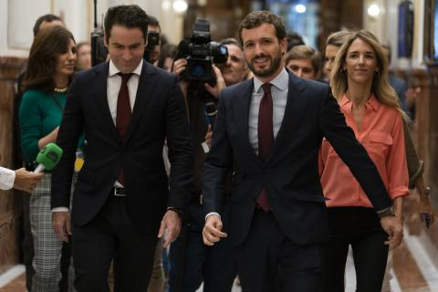 Pablo Casado con Teodoro García Egea en el Congreso.