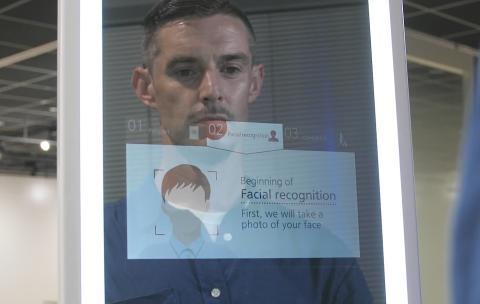 Panasonic reconoce tu cara en los aeropuertos aunque en la foto del pasaporte seas 20 años más joven