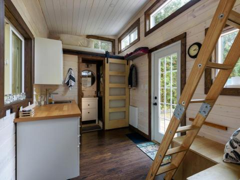 Una pequeña sala de estar