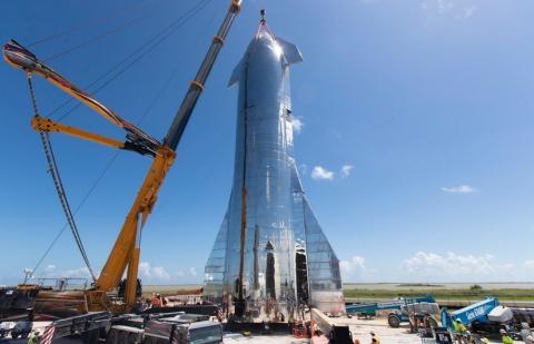 Construcción de la nave Starship.