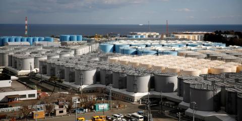 Tanques de almacenamiento de agua radiactiva son vistos en la planta de energía nuclear de Fukushima Daiichi, en la ciudad de Okuma, prefectura de Fukushima, Japón, el 18 de febrero de 2019.