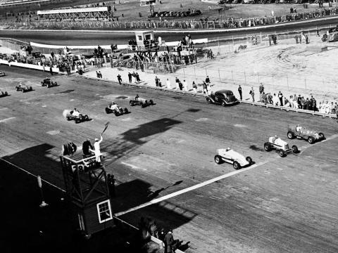 The team raced mostly Alfa Romeo cars. By 1933, Scuderia Ferrari had essentially become Alfa's racing division.