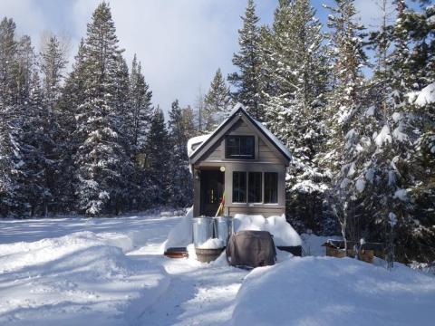 Una casa portátil en las montañas