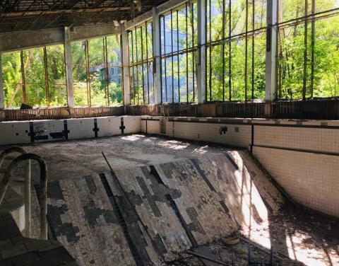 Otra piscina abandonada en Prypiat.