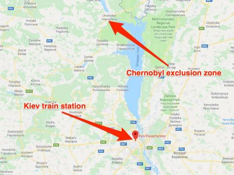 El viaje en autobús de Taylor Zwick desde la estación de trenes de Kiev hasta el borde de la zona de exclusión duró aproximadamente dos horas.