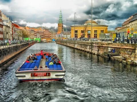 7. Dinamarca