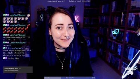 """""""AFKayt"""", de 32 años, es madre y una 'streamer' de variedades tres días a la semana: desde tutoriales de maquillaje a juegos como Overwatch"""