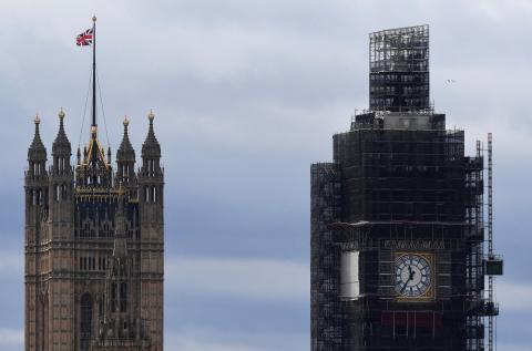 El parlamento británico y el Big Ben a su derecha, en Londres.