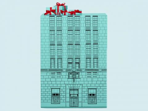The box was designed to look like the Tiffany flagship store.