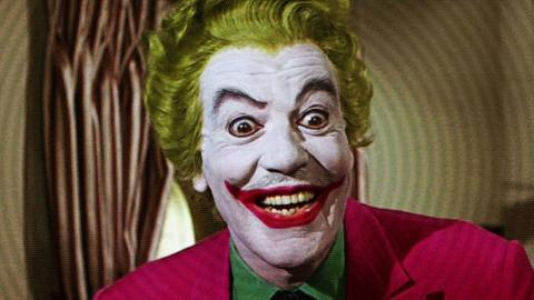 Cesar Romero interpretando al Joker