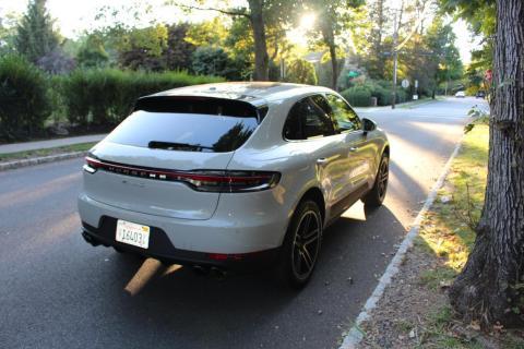 Eso no significa que el Porsche Macan S no sea una opción atractiva dentros de los crossover de lujo.