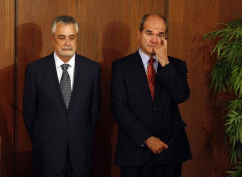 Los expresidentes socialistas de la Junta de Andalucía Manuel Chaves y José Antonio Griñán.