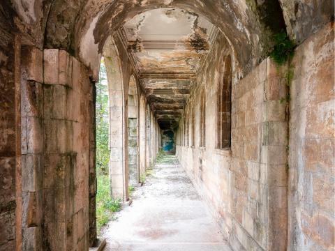 Un pasillo dentro del balneario de Tskaltubo.