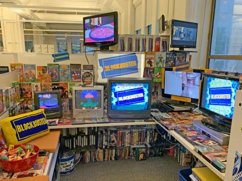 Vista general del Blockbuster y sus pantallas