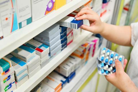 Medicamentos en farmacia