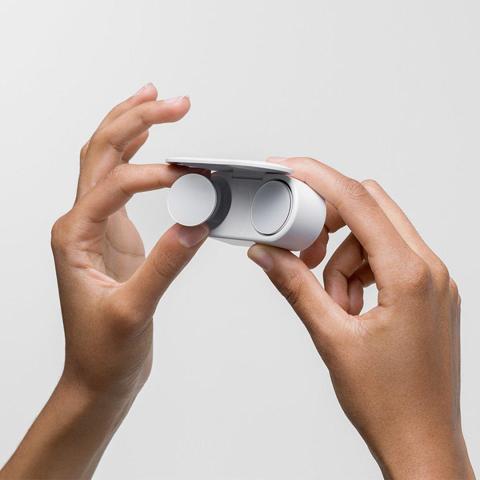 Así son los auriculares inalámbricos de Microsoft