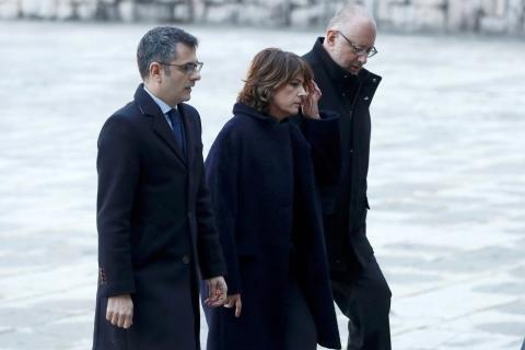 La ministra de Justicia y altos cargos del Gobierno acuden a la exhumación de Franco.