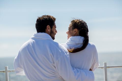 Una pareja en un crucero
