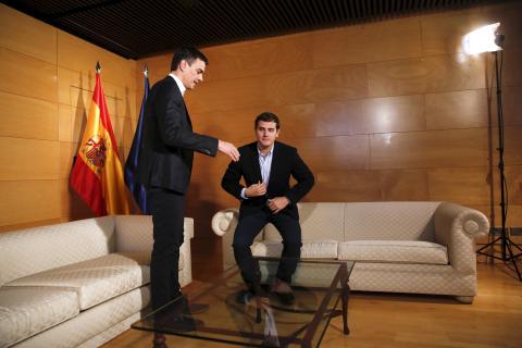 Pedro Sánchez y Albert Rivera en una reunión de marzo de 2016.