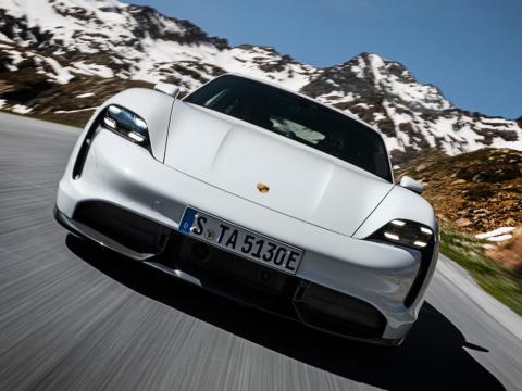 El Porsche Taycan Turbo S.