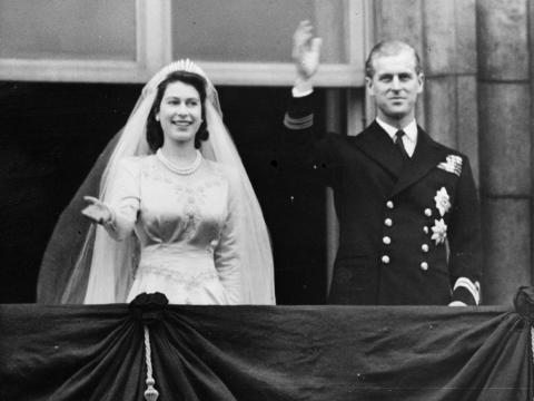 El príncipe Felipe se convirtió en miembro de la familia real británica al contraer matrimonio con la reina, la entonces princesa Isabel, el 20 de noviembre de 1947.