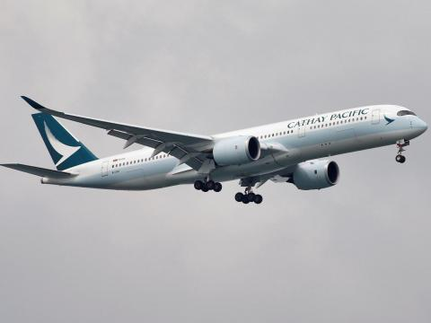 Un avión Airbus A350 de Cathay Pacific Airways.