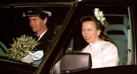Timothy Lawrence entró en la familia real en diciembre de 1992. La pareja se conoció en 1986, cuando Lawrence sirvió como caballerizo de la Reina.
