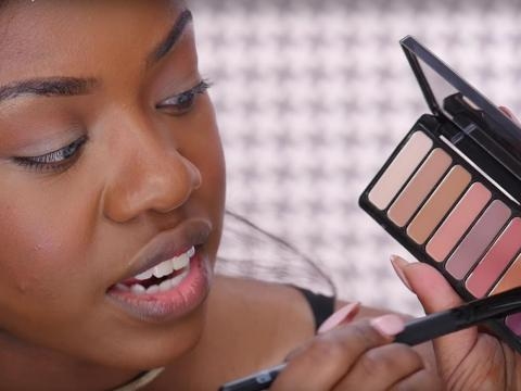 Women who wear makeup appear more competent and trustworthy.