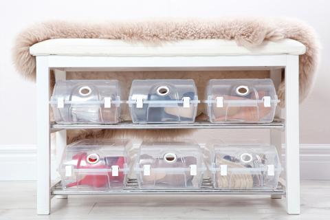 Zapatos organizados en cajas
