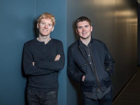 Patrick Collison (izquierda) y John Collison (derecha), cofundadores de Stripe.