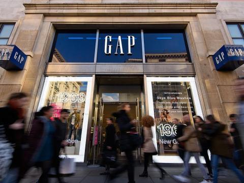 En 1987, Gap comenzó su internacionalización, con su primera tienda en Londres.