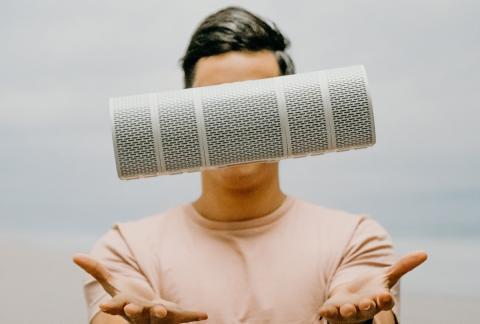 Este altavoz se divide en cinco para obtener sonido surround o usarlo en varias salas