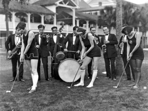 Golf instructors teach golf using jazz in Ormond Beach, Florida, circa 1926.