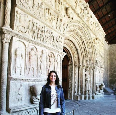 Arrimadas, en el pórtico del Monasterio de Ripoll