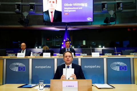 El aspirante húngaro a comisario europeo Olivér Várhelyi durante su proceso de selección en Bruselas