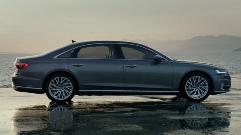 Audi A8 L.