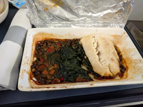 British Airways: Bacalao con espinacas y legumbres