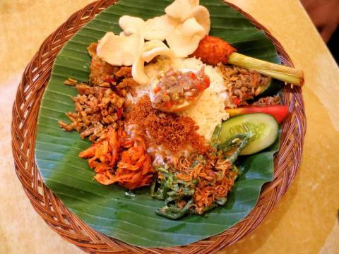 La cocina holandesa presenta recetas propias de Asia.