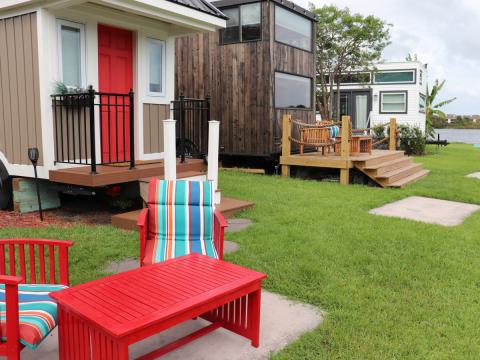 """Después de hablar con los residentes de la comunidad, me di cuenta de que todos allí priorizan el minimalismo y un estilo de vida al aire libre. """"Todos aquí tienen ideas afines y vinieron por razones similares"""", dijo Money."""