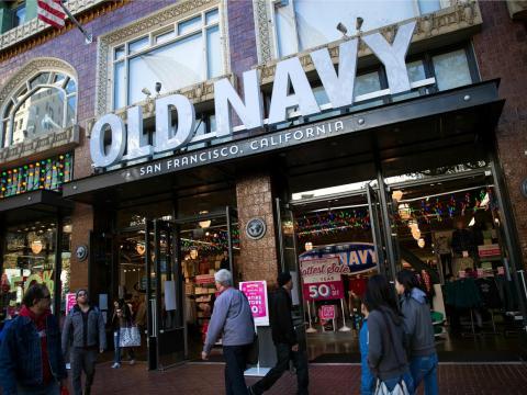 Durante el mandato de Drexler, se creó Old Navy, que inicialmente pretendía ser una firma low-cost de Gap. Abrió sus puertas en 1994.