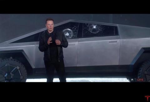Elon Musk, CEO de Tesla, en la presentación del Cybertruck.
