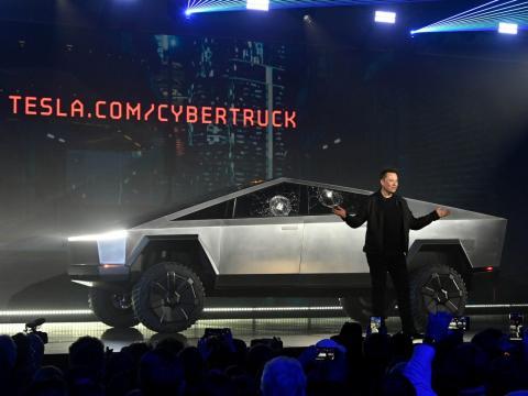 Elon Musk en la presentación del Cybertruck