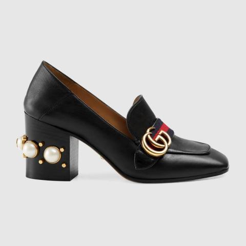 Estos zapatos de Gucci también forman parte de su colección. Cuestan 840 euros.