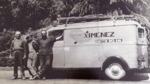 Francisco Jiménez, a la derecha, en los años 60.