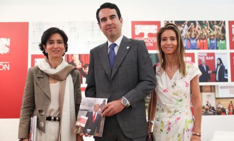 Javier Botín, consejero del Santander y presidente de la Fundación Botín, junto a sus hermanas Paloma y Carolina