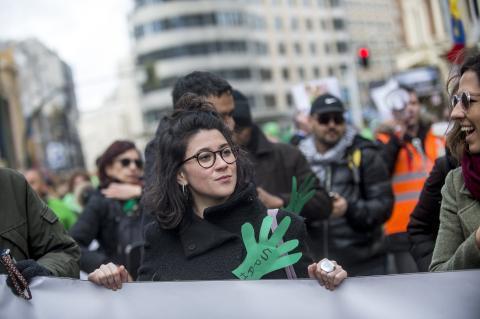 Una joven, en una manifestación contra los desahucios en marzo de 2018.