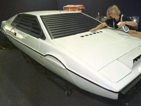 Lotus Esprit submarine de Elon Musk